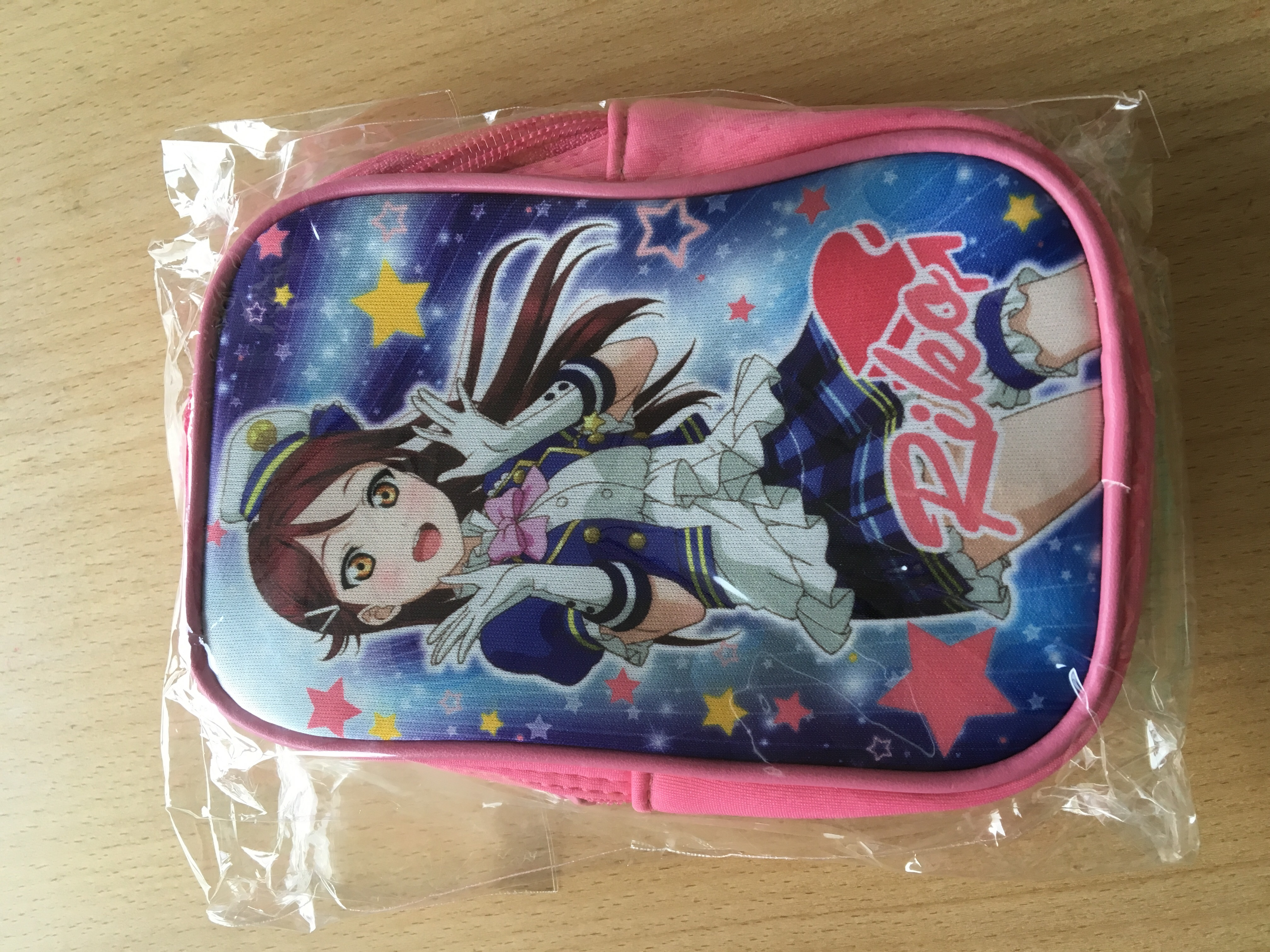 Riko pouch - can carry a smartphone + wallet + makeup easily